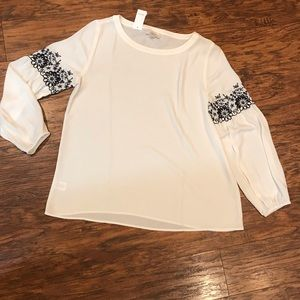 NWT - Loft white with black accent sleeve